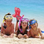 criancas-praia-1024x685
