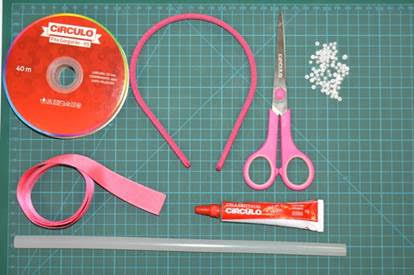 materiais necessários para fazer a tiara com fita - círculo