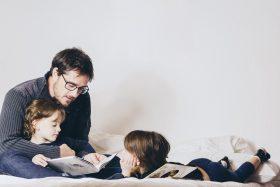 Relação Paterna Se Fortalece Com A Literatura