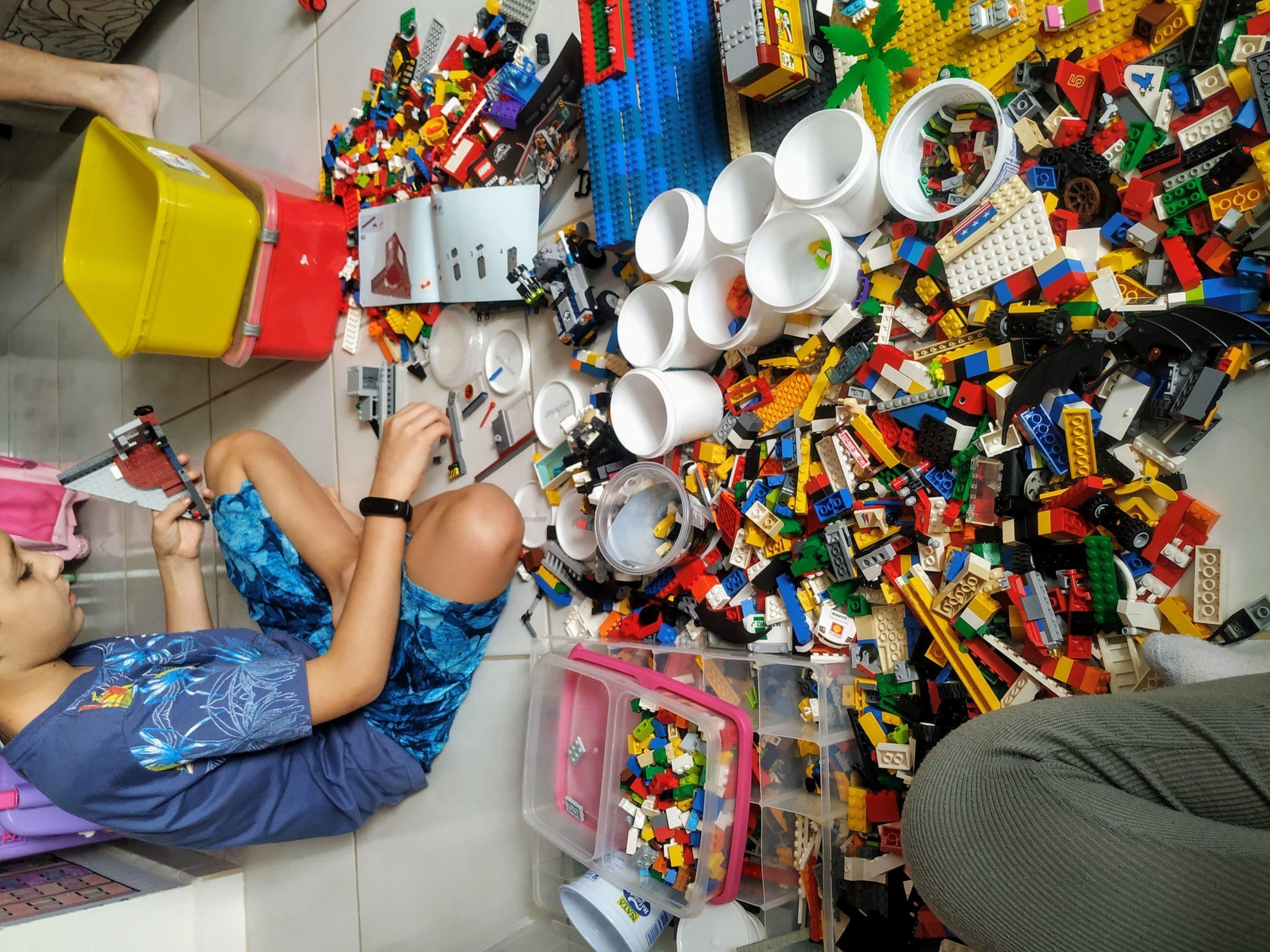 Império Lego Contra Heartland: Quem Ganhará? – Dia 49