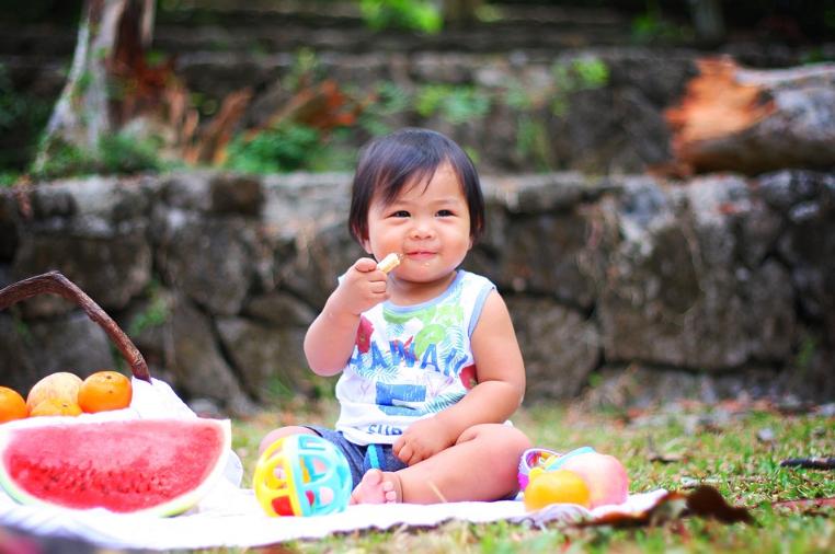 Alimentação Sólida - Bebê Comendo