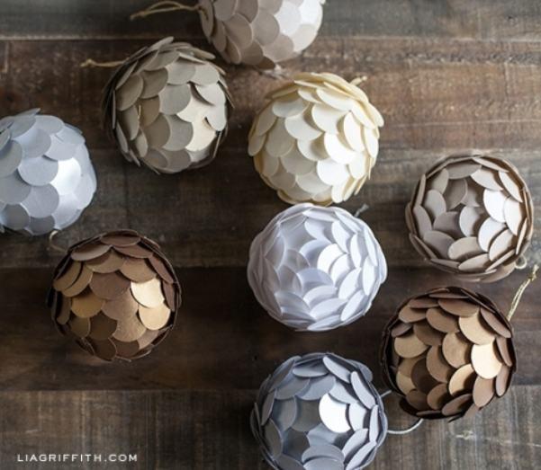 bola de natal de papel escama