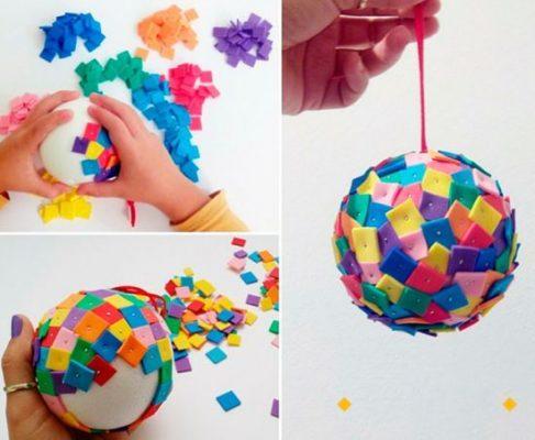 https://www.mamaeecia.com.br/wp-content/uploads/diy-bola-natal-feltro-colorido
